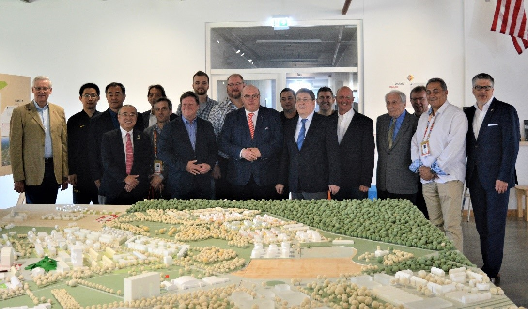 Sportbürgermeister Lothar Quast, Ingo Weiss und Vertreter der 12 Delegationen auf dem Empfang der Stadt am 3. April Mannheim im ZEITSTROM-Haus.