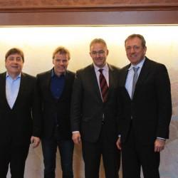 Bürgermeister Lothar Quast, Winy Maas (MVRDV), Bürgermeister Ahmed Aboutaleb und Oberbürgermeister Dr. Peter Kurz (v.l.n.r.)