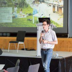 Ole Saß von sinai stellt die Planungen vor, Foto: Maria Schumann